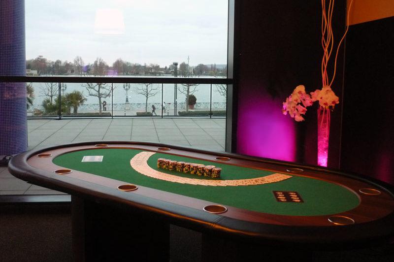 table de poker événementiel
