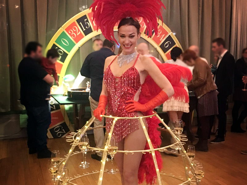 Soirée casino accueil champagne hotesse