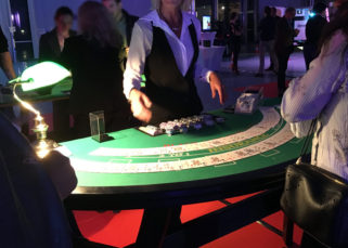 Animation casino inauguration locaux DistriCom jeux cartes